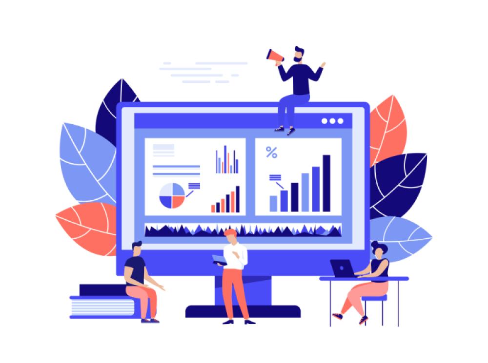Um monitor grande com gráficos e análise de dados, sentado em cima dele um homem com megafone e na parte de baixo 3 pessoas trabalhando com notebooks.
